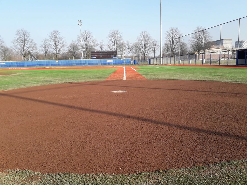 ProGame shockpads are used in the Amsterdam Pirates' main stadium. They won the european baseball cup.